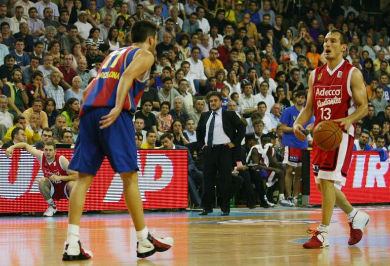 En el partido definitivo surgió para los catalanes la figura de Rodrigo De  la Fuente (criado en la cantera colegial) que con 17 puntos (4 triples)  decantó ... 524b3670a70